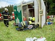 Cvičení záchranných jednotek u simulovaného pádu kabiny lanovky v Liberci