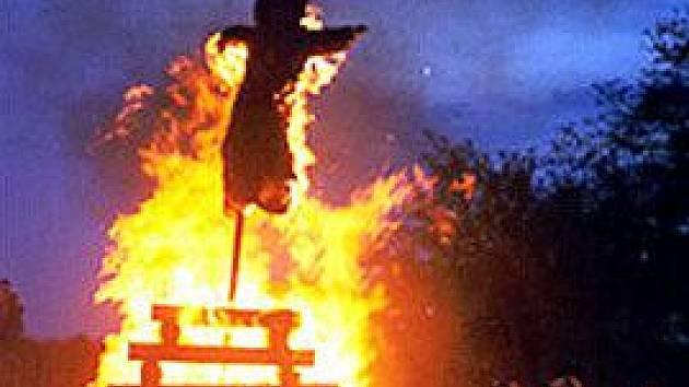 Plameny měly ochránit dobytek před uhranutím a lidi před zlými mocnostmi právě skončivší zimy.