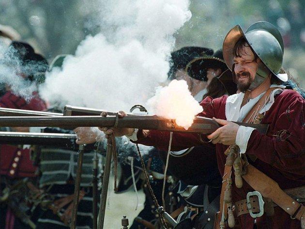 Pořadatelé doufají, že rekonstrukce bitvy na Valdštejnských slavnostech neztratí nic ze svého kouzla.