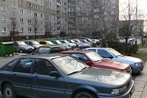 Mezi nejoblíbenější cíle zlodějů na Liberecku patří na sídlištích zaparkovaná auta.