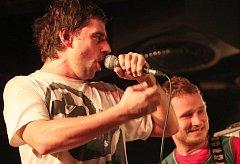 Wohnouti oslavili Na Rampě patnáctiny. Popřát jim přišly téměř čtyři stovky fanoušků.