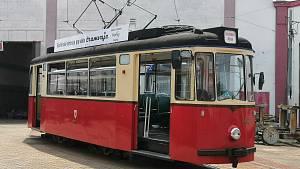 Dopravní fanoušci obdivovali unikátní tramvaje. Přijeli z Prahy i Německa.