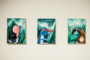 Oblastní galerie v Liberci představila 17. května výstavu Kateřiny Dobroslavy Drahošové a Andrey Lédlové pod názvem Platónův jednorožec.