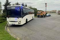 Policisté odhalili 60 dopravních přestupků, vyjeli do akce služebním autobusem