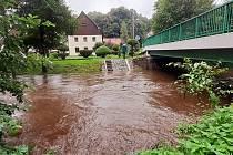 Řeka Smědá v Předláncích v úterý 31. srpna okolo 16. hodiny