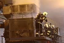 Požár v jednom z průmyslových objektů v Liberci.