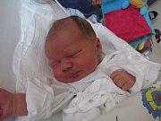 MICHAL ŠUTARA  Narodil se 2. října v liberecké porodnici mamince Lence  Jirků z Liberce. Vážil 4,63 kg a měřil 54 cm.