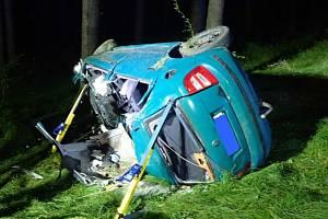 U Horní Řasnice se stala nehoda. Zraněného člověka museli vyprostit hasiči