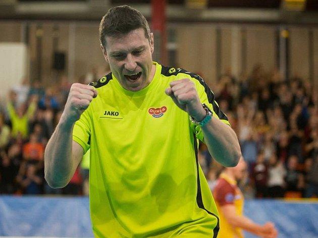 Trenér Michal Nekola se mohl radovat z postupu do Ligy mistrů, v extralize je to ale trápení.
