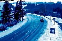 ZÁBĚRY z meteohlásky ukazují aktuální stav silnic. Kromě toho zaznamenávají i data o teplotě, blížící se námraze a podobně.