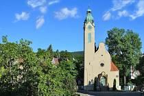 Kostel Povýšení svatého Kříže v Jablonci nad Nisou v Jablonci nad Nisou.