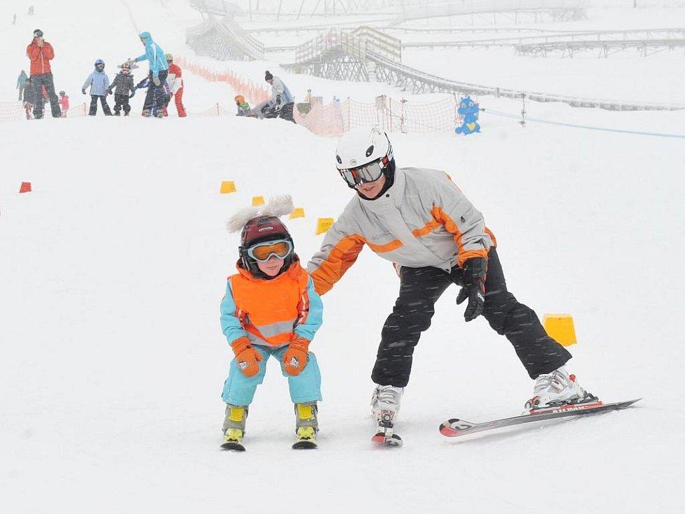 Slavnostní otevření lyžařského areálu Obří sud.