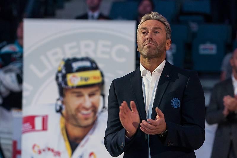 Utkání 47. kola Tipsport extraligy ledního hokeje se odehrálo 4. února v liberecké Home Credit areně. Utkaly se celky Bílí Tygři Liberec a HC Sparta Praha. Před zápasem byl ke stropu haly slavnostně vyvěšen dres Petra Nedvěda.