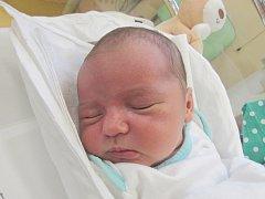 MATYÁŠ STEHLÍK Narodil se 18. listopadu v liberecké porodnici mamince Nikole Matyášové z Liberce. Vážil 3,60 kg a měřil 50 cm.