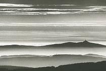 VÝSTAVA KRAJINA ZNĚJÍCÍHO TICHA představuje typické Bartošovy fotografie, které ho od ostatních krajinářů odlišují.