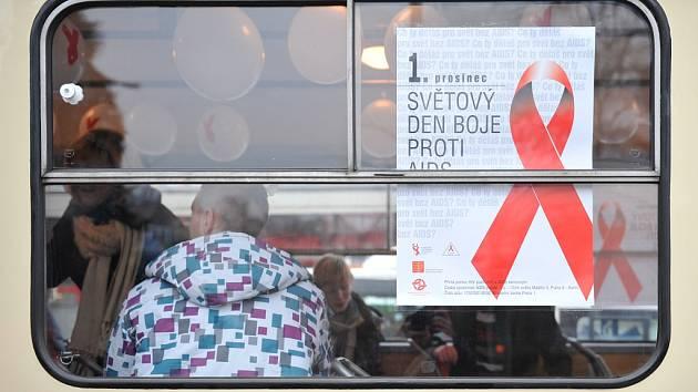 Speciální tramvaj na lince Horní Hanychov Lidové sady, ve které probíhala zároveň osvěta o tom, co je virus HIV, jak se přenáší, co způsobuje a jak se bezpečně chránit před nakažením.