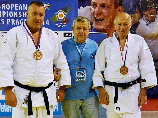 VETERÁNI. Zleva Jiří Brožek, Milan Vágner a František Brožek.