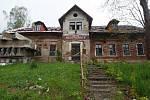 Zchátralá restaurace Berlín v Horním Hanychově v Liberci