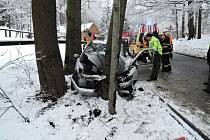 Dopravní nehoda mezi Oldřichovem v Hájích a Raspenavou na Liberecku.