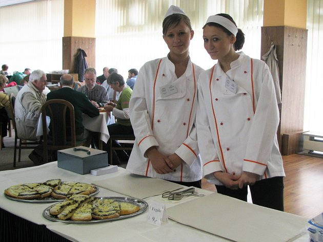 Pochoutky připravili studenti Střední gastronomické školy v Liberci.