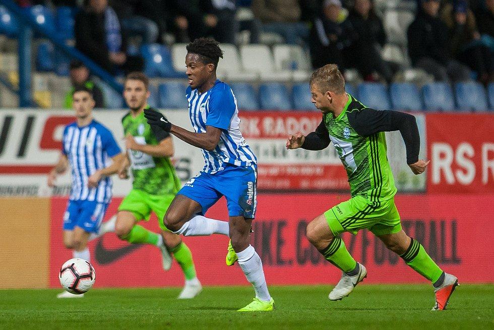 Zápas 14. kola první fotbalové ligy mezi týmy FC Slovan Liberec a FK Mladá Boleslav se odehrál 5. listopadu na stadionu U Nisy v Liberci. Na snímku v modrém je Murphy Dorley.