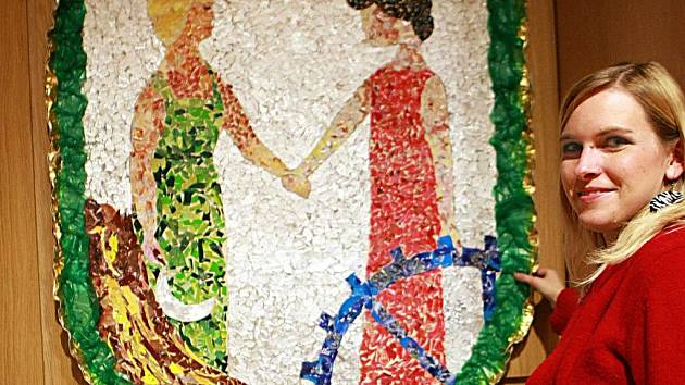 Cílem soutěže bylo vytvořit metrový znak obce nebo města z odpadů. Na snímku znak Vratislavic nad Nisou z Mateřské školy Lísteček.
