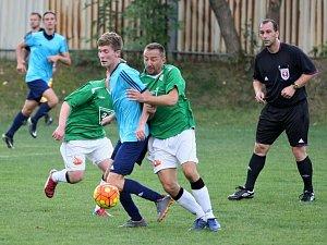 Ve fotbalové I. A třídě porazily Ruprechtice (v modrém) sousední Rapid Liberec