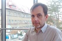 Na vlastní oči i ruce se o tom přesvědčil proděkan Fakulty mechatroniky, informatiky a mezioborových studií Technické univerzity v Liberci Miloš Hernych.