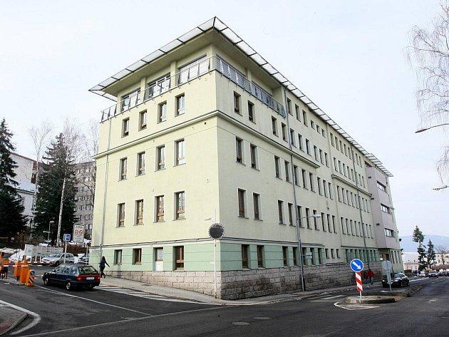 LIBERECKÝ KRAJ MÁ V MAJETKU DVĚ NEMOCNICE. Libereckou (na snímku) a další pak v České Lípě.
