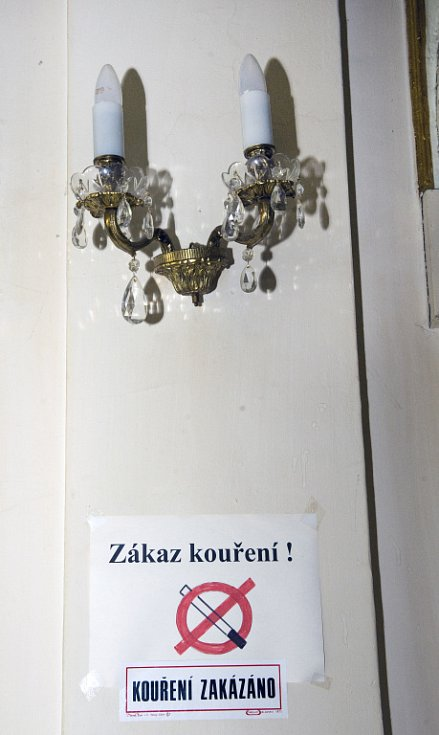 Interiér kavárny Pošta.