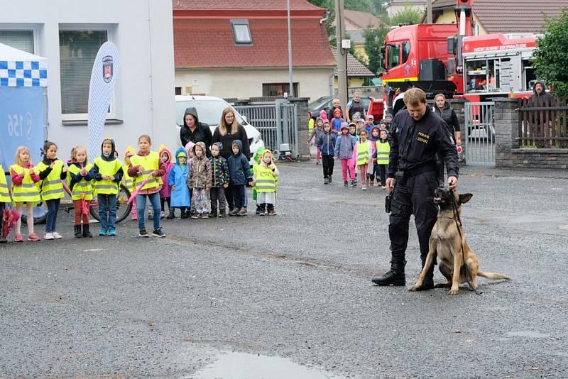 Den IZS v prostoru hasičské zbrojnice.
