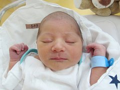 DOMINIK ZSIGA Narodil se 4. června v liberecké porodnici mamince Veronice Divišové ze Zdislavy. Vážil 3,20 kg a měřil 47 cm.