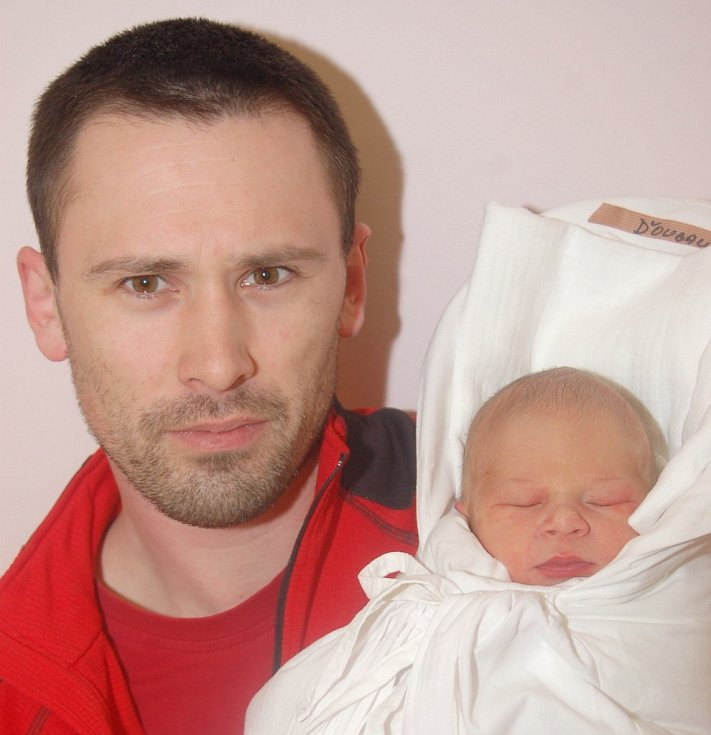 Mamince Viole Bobkové z Liberce se 27. března narodil syn Vít Ďoubalík. Vážil 3,20 kg a měřil 51 cm.
