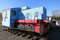 """LOKOTRAKTOR nemá jméno. Těmi se honosí mašiny na běžných tratích. Tento krasavec ale """"pouze"""" posunoval vagóny."""