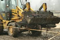 Po požáru v únoru 2007 zbyla na místě bývalé stáje pouze ohořelá torza koní. Podle provozovatelky Koňského domova důchodců Zuzany Polákové nakládání zbytků z koní do kafilérního vozu bylo to nejhorší, co kdy v životě viděla.