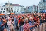 Koncert TUCK & PATTI v rámci jazzového festivalu Bohemia JazzFest na libereckém náměstí.