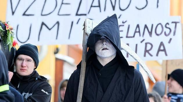 Takto protestovali v Liberci před časem studenti frýdlantského gymnázia.