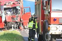 Na výpadovce z Liberce na Turnov se srazil polský kamion s nákladním autem českého dopravce.