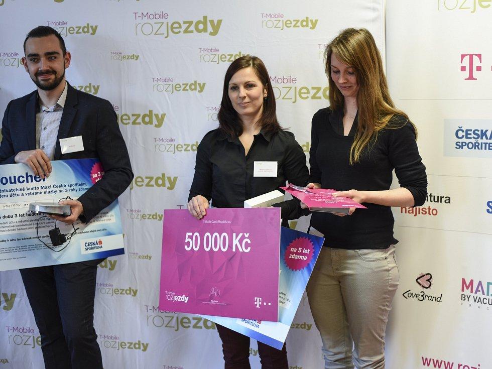 Vítězka soutěže Barbora Lakašová s didaktickou pomůckou Aktivní žák
