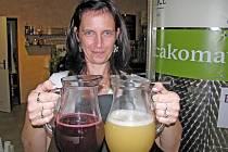 Burčák z burčákomatu dostanete i ve vinařství Chateau Lednice, jehož sommeliérka Denisa Bödöne doporučuje vyzkoušet i hit letošního léta, červený višňák.