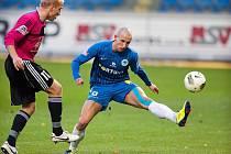 Z fotbalu Liberec - České Budějovice (4:0) v modrém nejlepší hráč Michal Breznaník.