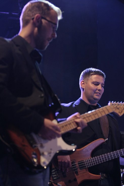 Big'O'Band představil na náměstí nový autorský song s názvem Waiting for You.