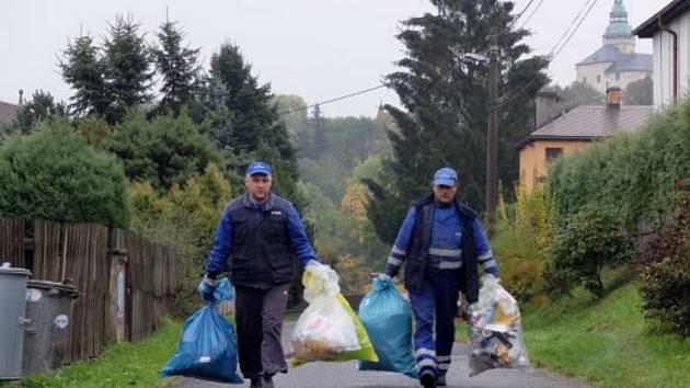 Tříděný odpad v pytlích. Ilustrační foto