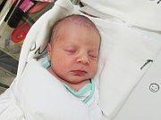 JIŘÍ ŠLAPÁK  Narodil se 4. ledna v liberecké porodnici mamince Boženě Šlapákové z Višňové.  Vážil 3,60 kg a měřil 50 cm.