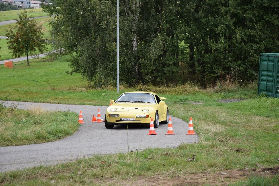 Do Vesce se sjelo na 170 vozů značky Porsche
