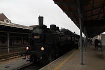 O víkendu 2.-3. listopadu 2019 proběhly na trati z Liberce do Žitavy oslavy 160 let trati. Na snímku zvláštní historický vlak ve stanici Liberec.