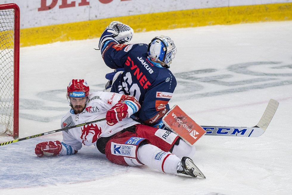 Bilí Tygři Liberec - HC Oceláři Třinec.