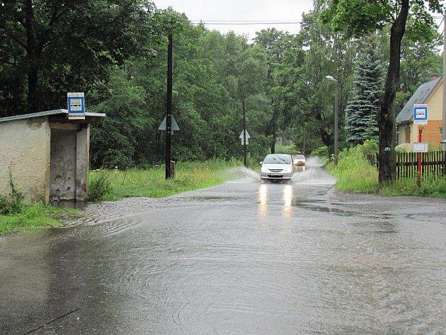 Rozvodněný Harcovský potok v Liberci.