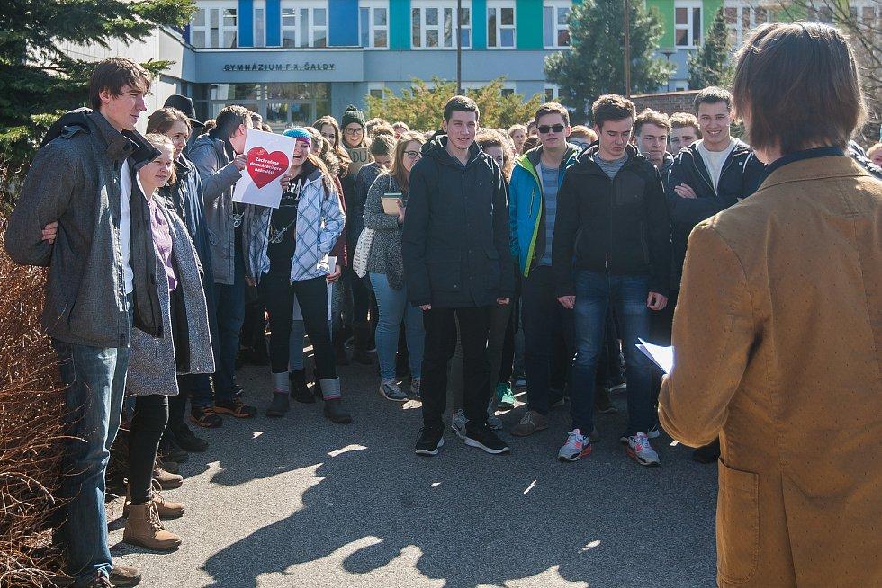 Výstražná stávka studenstva na obranu ústavních a společenských zvyklostí a hodnot proběhla 15. března před Gymnáziem F. X. Šaldy v Liberci. Studenti protestovali i u dalších škol po Liberci i celé České republice.