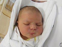BARBORA MORAVCOVÁ Narodila se 17. prosince v liberecké porodnici rodičům Michaele Zsámbokiové a Oldřichu Moravcovi ze Zdislavy. Vážila 4,10 kg a měřila 52 cm.